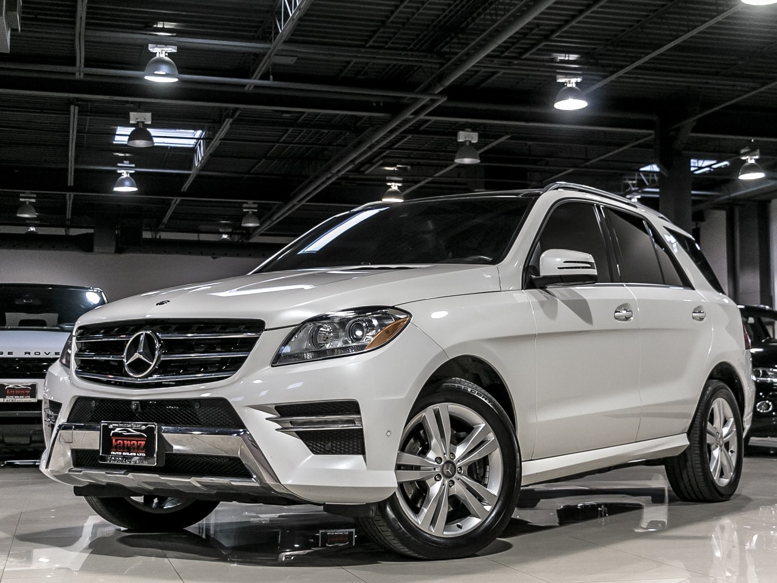 ML 350 white